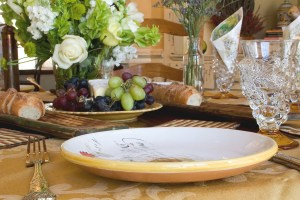 Nice placesetting with grapes and bread