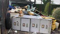 Waste disposal cabinet