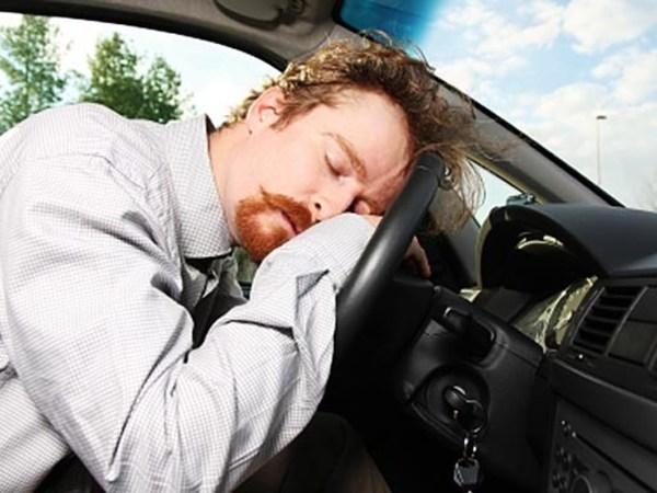 4.2 Percent Of Drivers Admit Sleeping Wheel