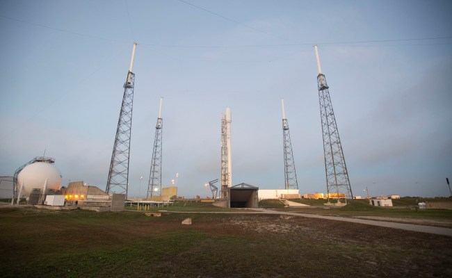 Spacex Rocket Launch To Iss Scrubbed Due To Helium Leak