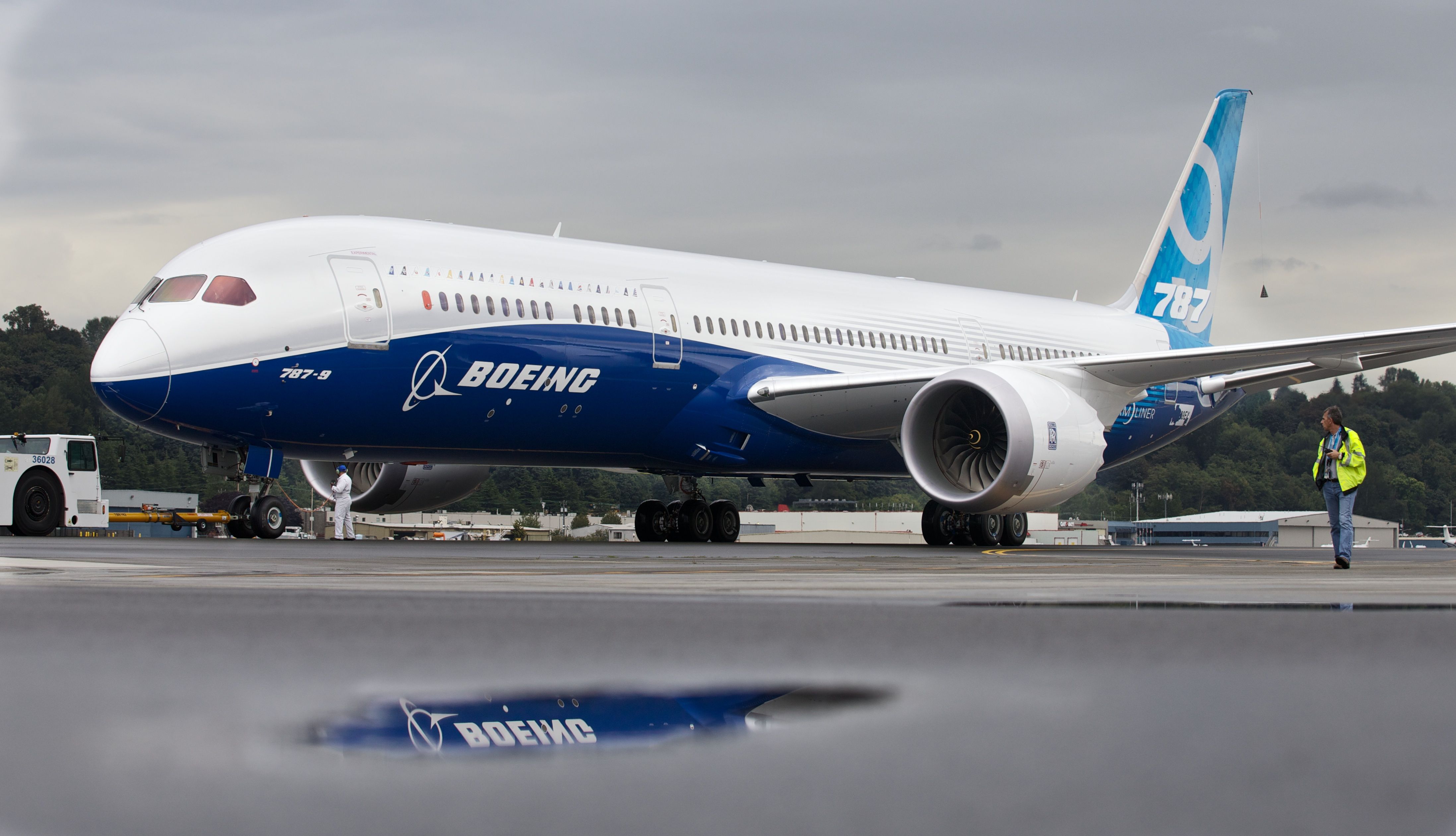 Latest Boeing Dreamliner cleared for takeoff - CBS News
