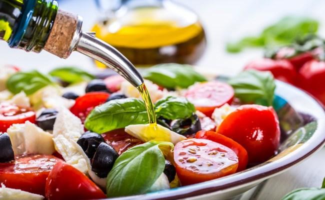 Mediterranean Diet Works Better For Wealthy People Study