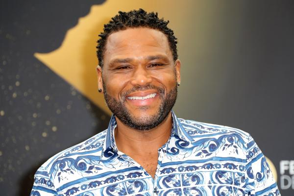 "Anthony Anderson Talks Tackling Current Events ""black-ish"" - Cbs"