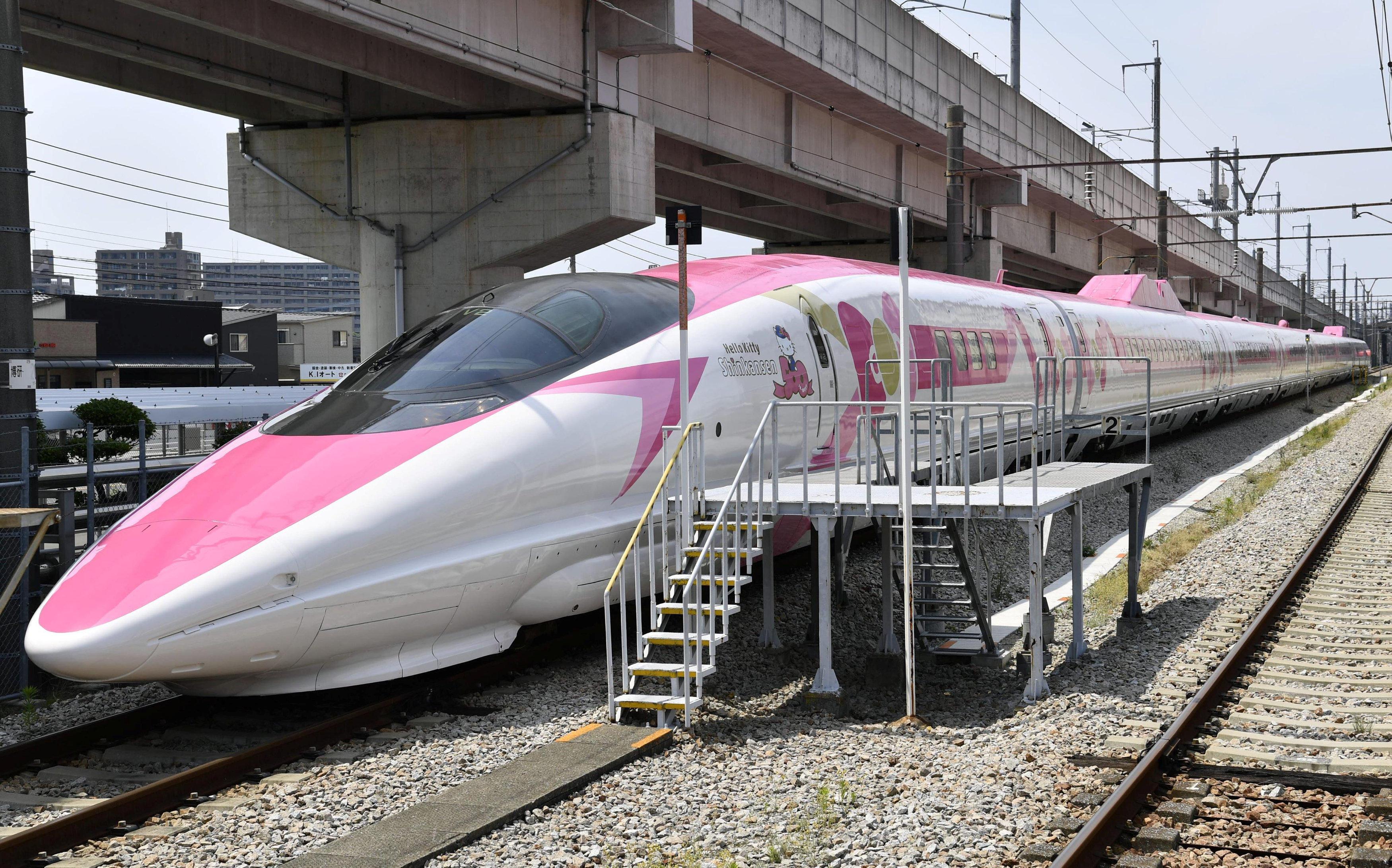 Hello Kitty Themed Bullet Train Debuts In Japan