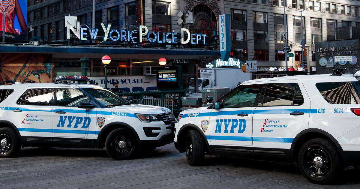 Crown Vic Police Car Wallpaper Feds Sue Nypd Over Man S Hiv Discrimination Claim Cbs News