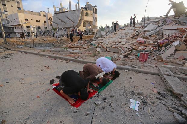 Eid al-Fitr in Gaza under ongoing Israeli airsrtikes