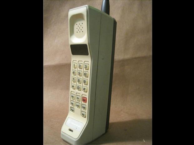 Motorola DynaTAC 8000X  1983  The evolution of