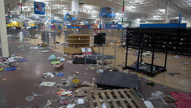 Unrest Erupts In Resort Area After Hurricane Odile Passes