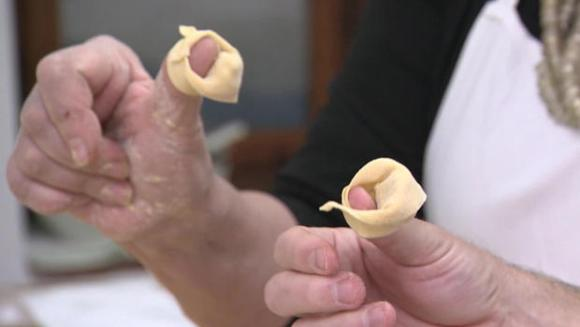 making-tortellini-b-620.jpg