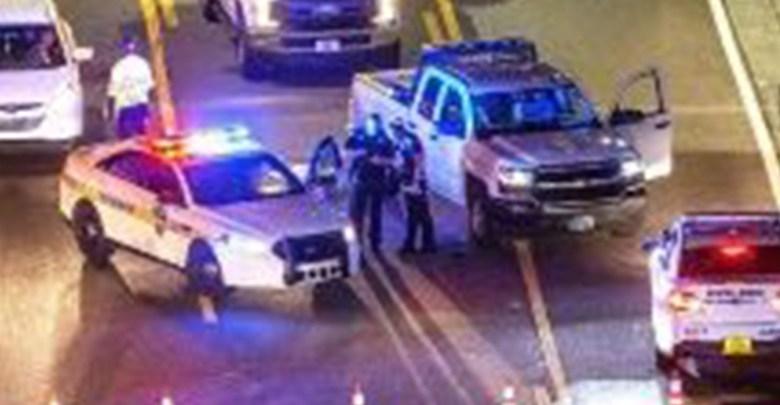 Cinco adolescentes asesinan a un hombre afuera de su casa para robarle