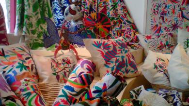 Photo of Artesanos uruapenses fueron premiados en concurso de maque y textiles