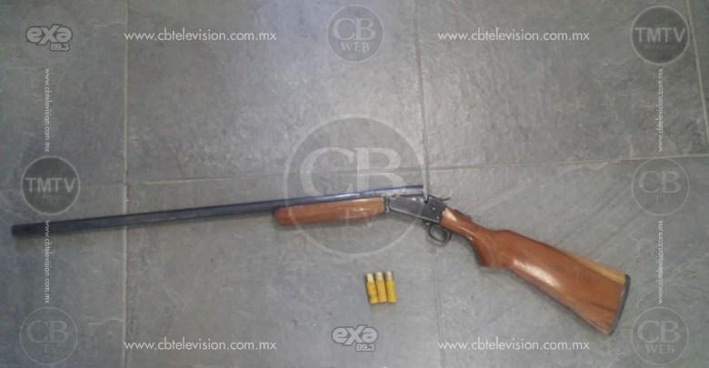 Detiene la Policía Michoacán a dos personas en posesión de un arma de fuego en Aputzio de Juárez