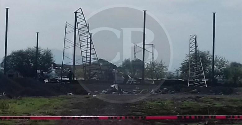 Un joven muerto y tres heridos al colapsar estructura metálica