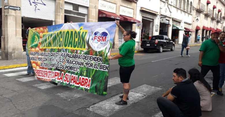 UNTA Michoacán toma instalaciones del SAT en Morelia