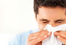 Sonarse muy fuerte la nariz puede provocar derrames cerebrales