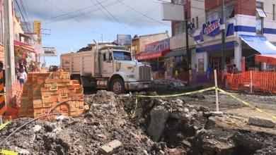 Ya necesitaba reparación la calle, pero que no tarden, así lo piden algunos comerciantes en Vicente Sta. María
