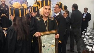 Laura Bozzo pagó 30 mil pesos por Doctorado Honoris Causa
