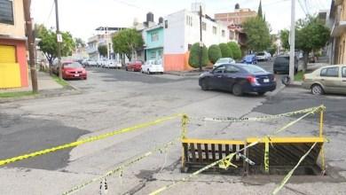 Basura genera inundaciones en la calle Lacas de Uruapan, vecinos exigen solución