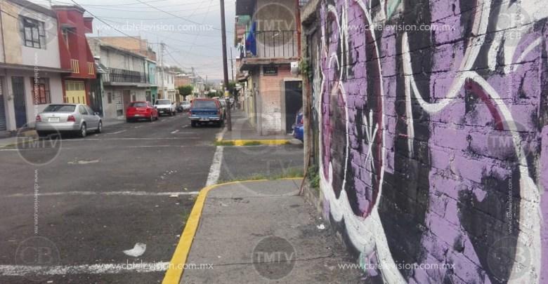 Ciudadanos denuncian a vecina que quema basura en su domicilio