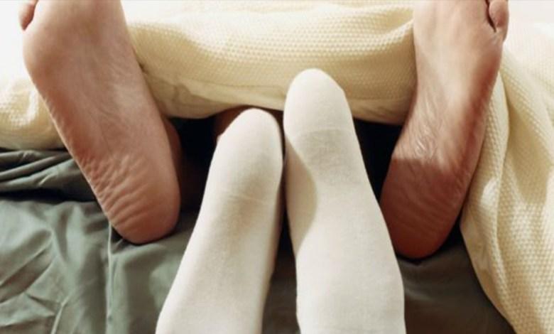 Tener sexo con calcetines es un orgasmo asegurado: estudio