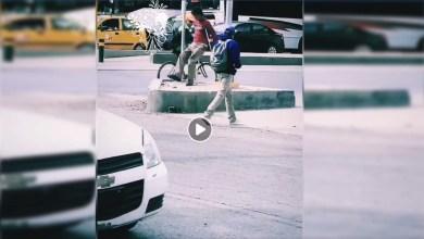Photo of México: Exhiben a hombre con muletas que pedía dinero caminando de forma normal