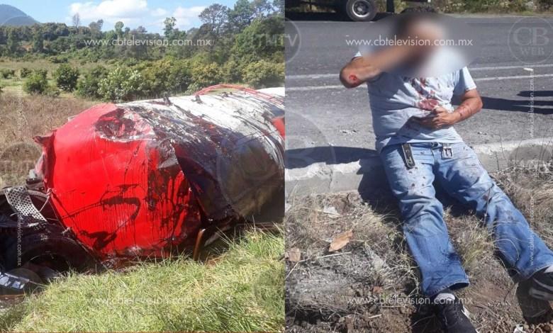 Vuelca pipa con maleza en la carretera a Los Reyes; el chofer vive de milagro