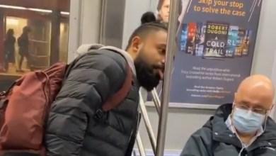 Photo of Video: Youtuber lame tubo del metro para demostrar que no le teme al Covid-19