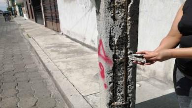 Photo of Postes de luz se caen a pedazos poniendo en riesgo a los ciudadanos