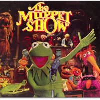 "Les Muppets: ""It's time to play the music..."""