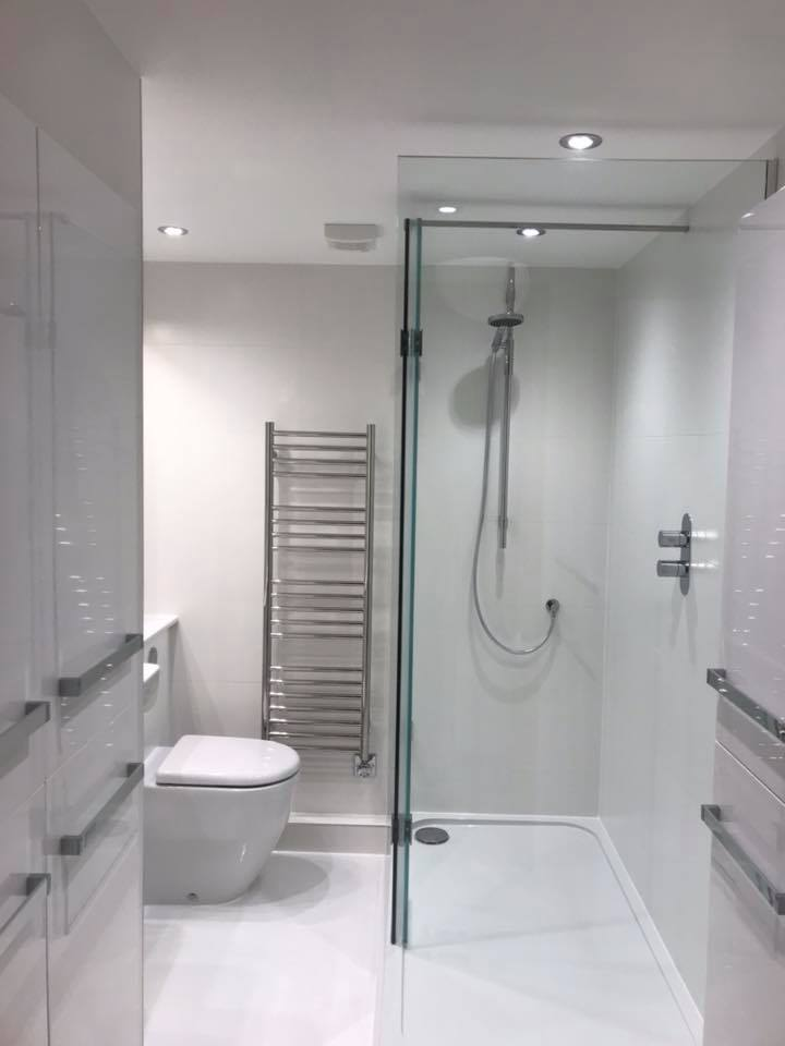 Apartment Shower Laundry Room – Cambridge