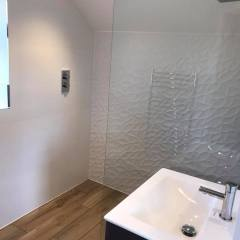 Planked 2 Fall Wet Room – Cambridge
