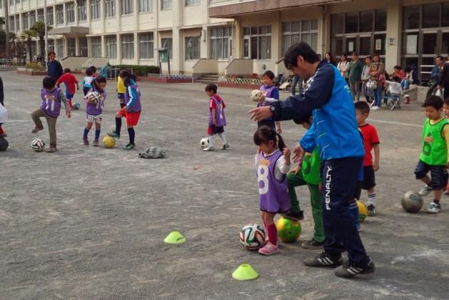 サッカーしたい子集まれ!! サッカー体験会(2014.9)