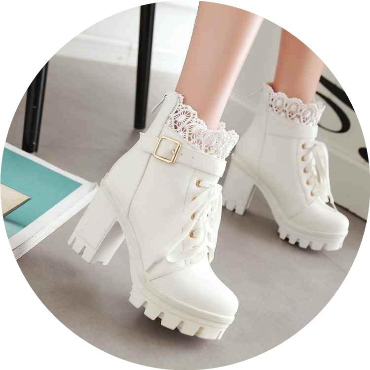 Botas Martens con cordones, tacones altos y tacones gruesos blanco