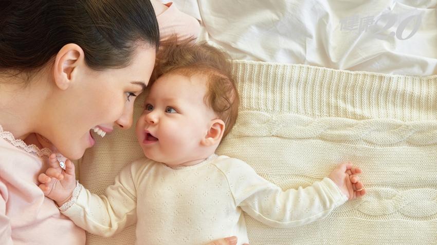 寶寶頭常歪一邊恐非可愛 小心斜頸!留意4大癥狀把握治療期|健康2.0