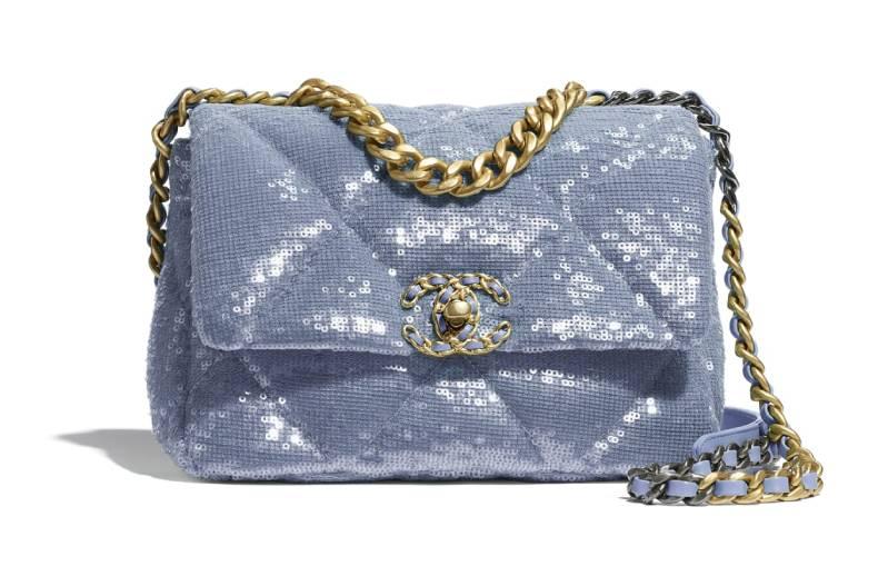 閃閃惹人愛!CHANEL、GUCCI推出「絕美亮片包」。天空藍小錢包超該收 | 女人我最大
