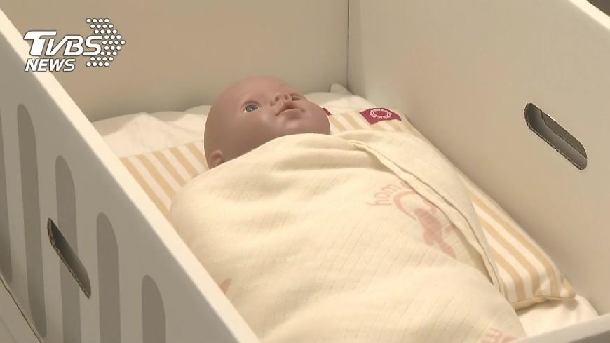 用「芬蘭嬰兒床」搭軟被!嬰獨自趴睡悶死│TVBS新聞網