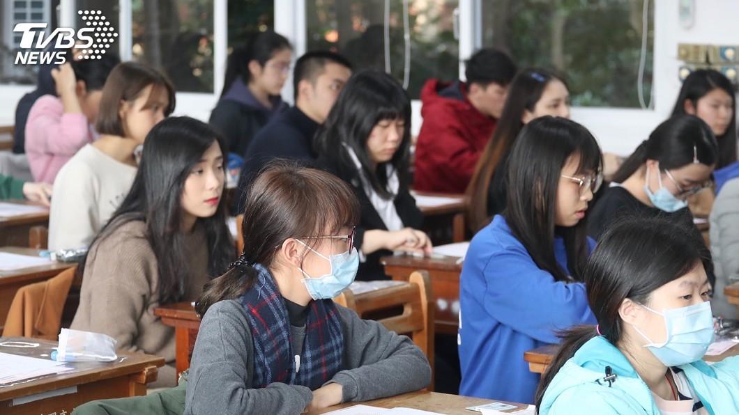 學測國寫作文考「溫暖的心」 考生想到讓座捐錢│TVBS新聞網