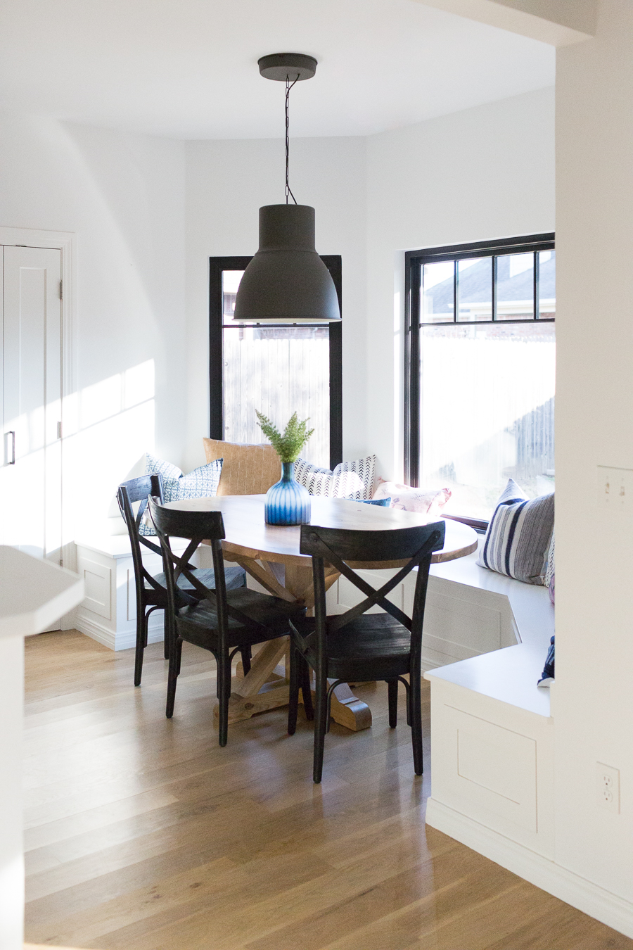 kitchen banquette gray island how to design a beautiful cc and mike modern farmhouse black dining room chairs oval wood pedestal
