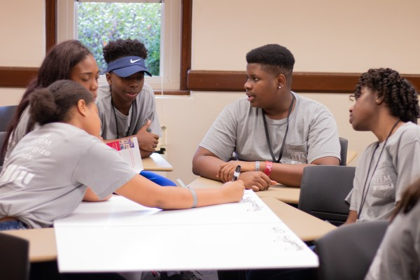 Students Expand Knowledge And Horizons Ua Stem