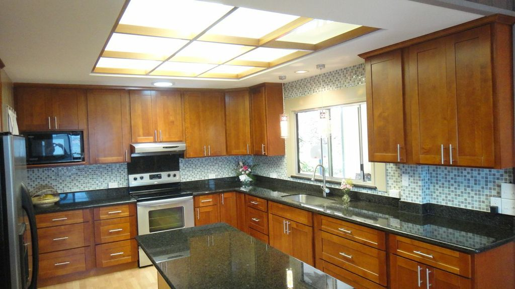 Light Cherry  CC Cabinets and Granite