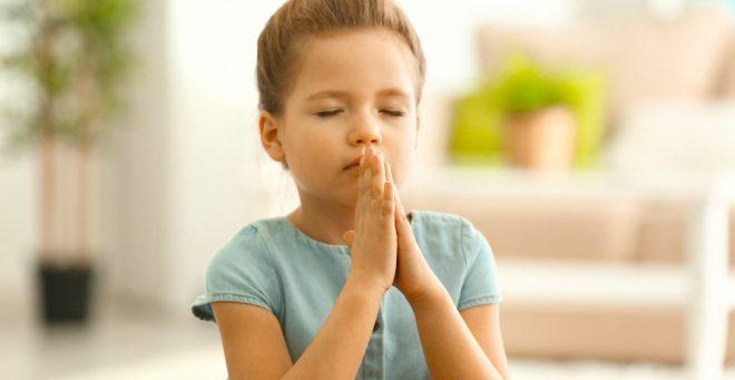 cropped-praying-girl.jpg