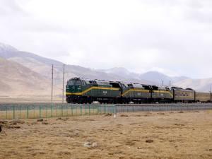 青藏高原的火車
