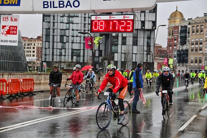 Salida de Alberto en la cicloturista de Bilbao