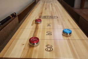 shuffleboard-table-alignment-adjusting-level1