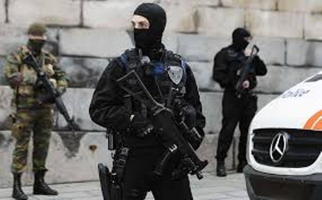 Militares Policia Bruselas