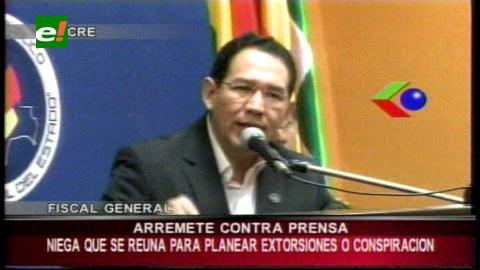 Fiscal General arremete contra la prensa, niega reuniones para planear extorsiones