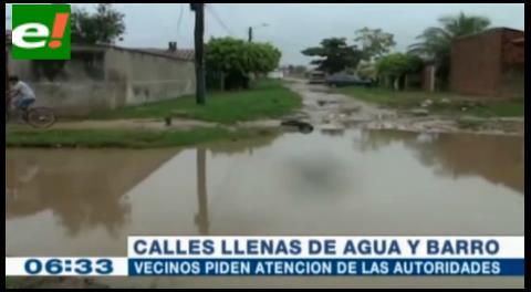 Vecinos exigen solucionar problemas de calles inundadas por la lluvia