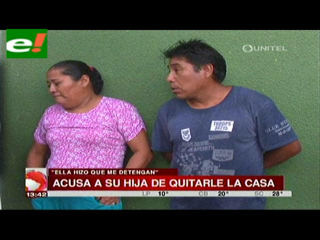 Mujer acusa a su hija de quitarle la casa