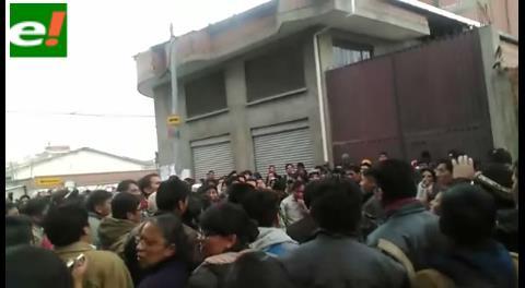 """Manifestaciones en El Alto al grito de """"¡Evo asesino!"""""""