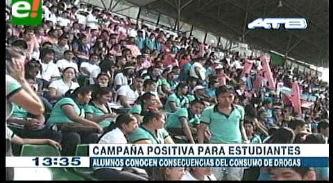 """Santa Cruz. """"No a las drogas"""", gritan de miles de estudiantes"""